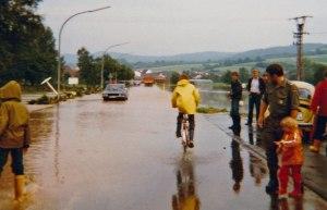 bahnhofstrasse_im_hintergrund-reichensachsen